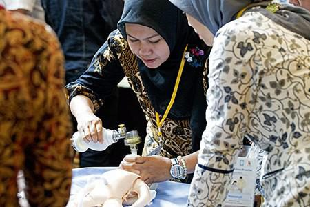indonesia midwives practice resuscitation